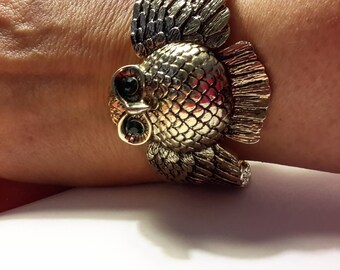 Vintage ~ Wise Owl Clamp Bracelet ~ Green Eyed Owl Bracelet ~ Wings Spread Owl Cuff Bracelet ~ 3D Harry Potter Owl Bracelet ~ Gold Tone