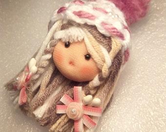 BR002 Doll Brooch