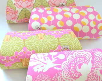 A SET of 4 Bridesmaids Clutch -  Create a Custom Bridesmaid Clutches in your choice of fabrics
