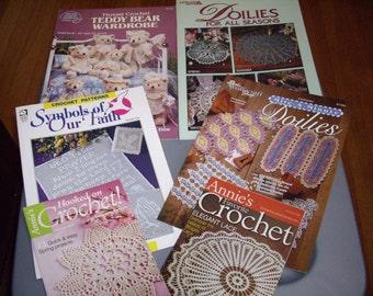 Destashing-REDUCED set of 6 booklets of crochet doilies