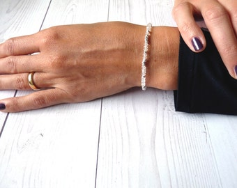 Rock Crystal bracelet. Minimalist bracelet with pure silver nuggets and Clear Quartz. hHandcrafted gemstones bracelet. Gifts for her