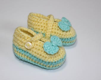 Yellow baby boots, baby booties, baby shower gift, crochet shoes, knit booties, crochet booties, newborn gift, newborn shoes, alicegem