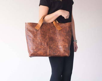Brown leather tote with purse organizer, vintage leather unlined large bag shopper market everyday purse raw edge shoulder bag with pockets