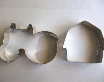 Barn and Tractor Cookie Cutter Set, farm cookie cutter, barn cookie cutter