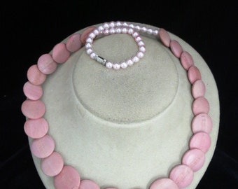 Handmade Pin Pearl & Pink Disc Necklace