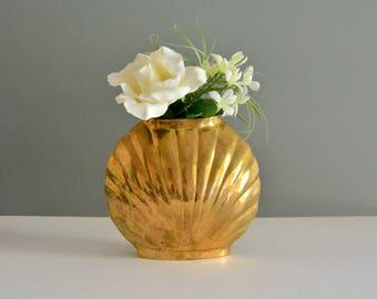 Seashell Brass Vase - Vintage Mid Century Sea Shell Ocean Mermaid Gold Shiny Floral Flower Arrangement Wedding Decor