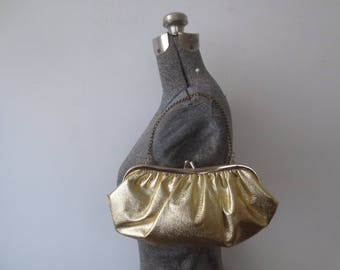 Vintage '50s/'60s Bright Gold Lame Gathered, Plushy Convertible Kiss Lock Clutch / Purse