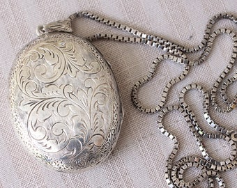 Sterling Silver Locket on a Vintage Chain, Locket Pendant,  Large Oval Engraved Locket, Vintage Silver Locket, Vintage Locket Necklace