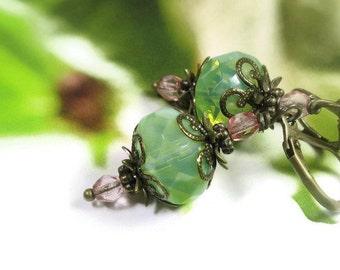 Style Vintage, boucles d'oreille, Style rétro, vert menthe, couleurs Pastel bijoux, cadeaux abordables, pour elle, bijoux de perles