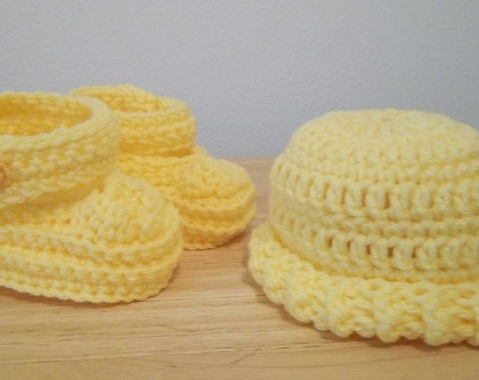 Booties - Crochet Baby Booties and Hat - Infants - Newborn Baby - Color: Yellow