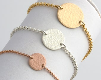 Hammered Disc Bracelet, Gold Disc Bracelet, Minimalist Jewelry, Dainty Gold Charm Bracelet, Wedding Gift, Bridesmaid Gift, Gift for Her,