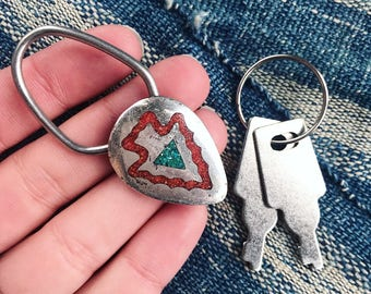 Vintage sterling arrowhead key ring with turquoise and coral inlay