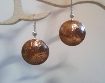 Earrings made of genuine pieces of 1 cent Elizabeth II of the Canada.