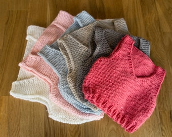 Easy Knitting Pattern - baby vest / baby body warmer - beginner knitting pattern. Baby shower gift.