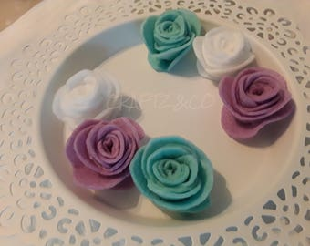 Handmade white/lilac/soft mint scallop small felt roses.