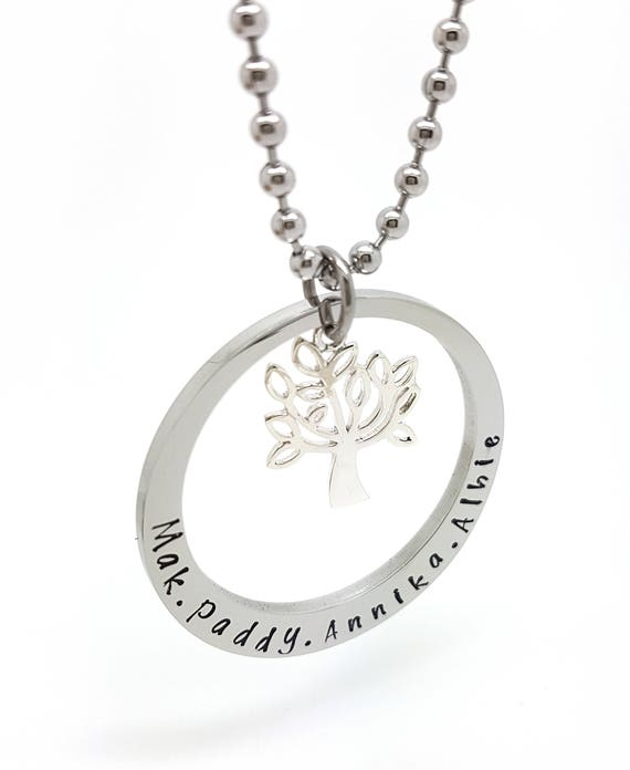 Family names tree of life pendant personalised jewellery hand adelo a tus favoritos para volver ms adelante aloadofball Image collections