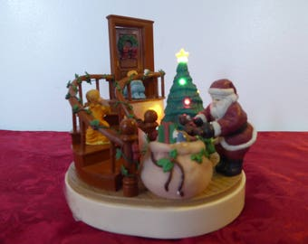 Vintage Christmas Music Box with Lights Toy{the music is not working but the lights are}