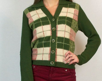 Vintage 70s Plaid Knit Green Red Button Down V Neck Collared Cardigan Sweater