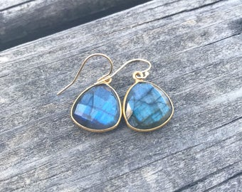 Labradorite Earrings // 14K Gold Labradorite Dangle Earrings // Flashy Labradorite