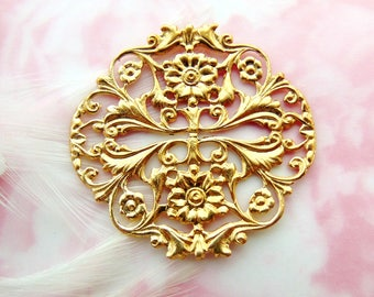 BRASS * (2 Pieces) Round Floral Filigree Crest Flower Stamping ~ Jewelry Ornamental Finding ~ Brass Stamping (FB-6107)