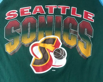 Vintage 90's NBA Seattle Sonics Tank Top Size X-Large, Made in USA, Perfect Screen Printing by Dodger, Amazing Piece and Reversible!