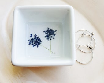 Blue Flower Ring Storage, Jewelry Storage, Ring Dish, Flower Ring Holder, Pressed Flowers Jewelry Dish, Nature Lover Gift