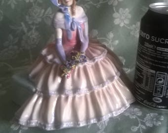 Royal Doulton Figurine - Day Dreams - HN1731 - in excellent codition