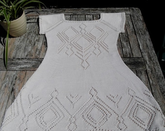 Knitted off white cotton summer dress, with round yoke and lace pattern, size S, stunning lace back, lovely and cool in the sun!