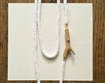 Knitted Necklace -white-
