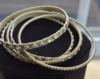 Pretty Vintage Gold tone, Glitter Bangle Bracelet Lot (5)