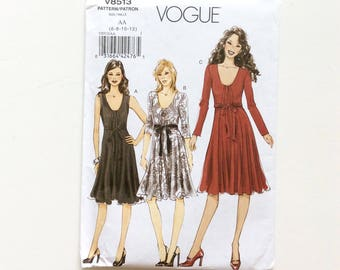 Vogue V8513 Women's Dress Pattern, Size 6-12, Uncut Pattern