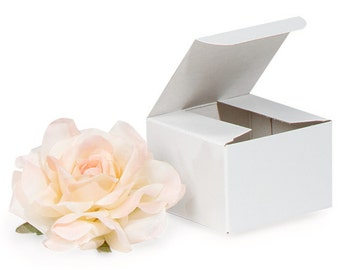 10 White Gloss Gift Boxes . 3x3x2