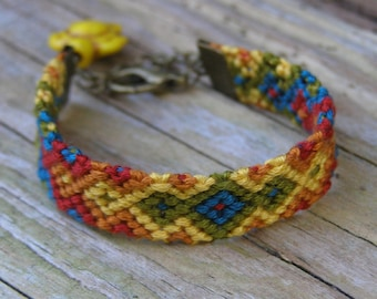 Southwest native turtle totem animal bracelet, Boho friendship macrame, Nomad ethnic jewelry, Tribal woven cotton, Aztec colorful chevron