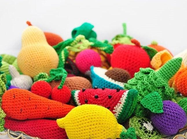Amigurumi Vegetables : Amigurumi pattern crochet play food patterns crochet toy