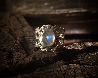 Irissa - Antique Silver Labradorite ring, Labradorite ring, unique Labradorite ring, Spiritual ring, Tribal ring, Boho ring, Labradorite