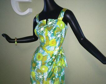 Vintage 60s Hawaiian Sarong Dress 1960s Sexy Wrap Side Rockabilly Pin Up Bombshell Wiggle Dress Elastic Elastic Sides Built In Panty! Cotton