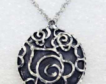 Silver Pewter Diamond Cut Handmade Circle Rose Necklace Jewelry