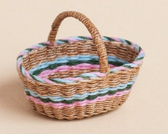Dollhouse miniature, Wicker, shopping basket, scale 1 : 12, WC/ 020