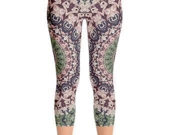 Capris Boho Festival Mandala Yoga Pants, Unique Burning Man Clothing Women, Hooping Clothes, Dance Leggings