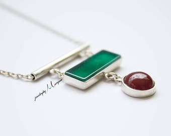 Round Red & Green Rectangular Shaped Agate Silver Necklace