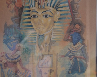 The cross stitch of tut and Cleopatra Egyptian decoration