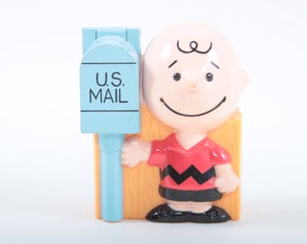 Charlie Brown, Candy, Peanuts, Vintage, Toy, Blue, Opening, Mailbox, Plastic, Miniature, Figure, Boy, Smiling, Red, Shirt ~ 160921C