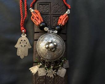 BERBER PENDANT,ethnic jewellery,Berber silver,Khamsa,African silver