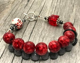 Red Flowers Abacus Row Counting Bracelet- Beaded Knitting Row Counter- Gift for Knitters