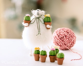 Cute mouse rat ornament Poseable plush mouse decoration Stuffed rat figurine Miniature mouse soft toy Rat gift for plant lover Crochet cacti