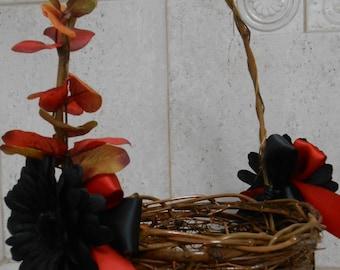 Flower Girl Basket / Fall Flower Girl Wedding Basket / Halloween Flower Girl Basket / Fall Wedding Decor / Orange and Black Flower Girl