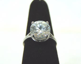 Womens Sterling Silver .925 Ring w/ Diamond Cut CZ Stone 3.9g #E3194