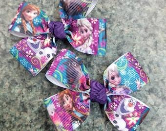 Set of 2 Frozen Elsa Anna olaf and even hair bows non slip alligator clip