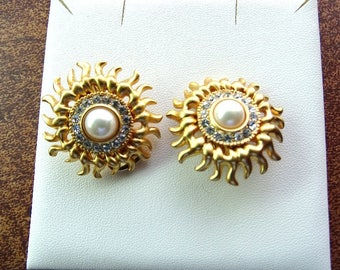 Alfred Sung designer earrings. Brushed gold and rhinestone sunflowers.