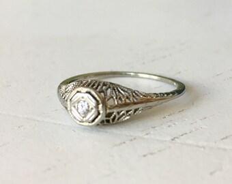 Stunning Detail Diamond Filigree Engagement Ring - 18k White Gold